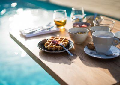 HEADER - PoMo_hotel_photos-petit-dejeuner-piscine-hotel-terrasse_octobo-lyon-08731