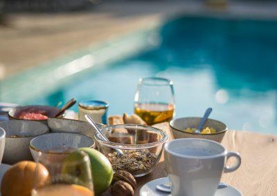 PoMo_hotel_photos-petit-dejeuner-piscine-hotel-terrasse_octobo-lyon-08720
